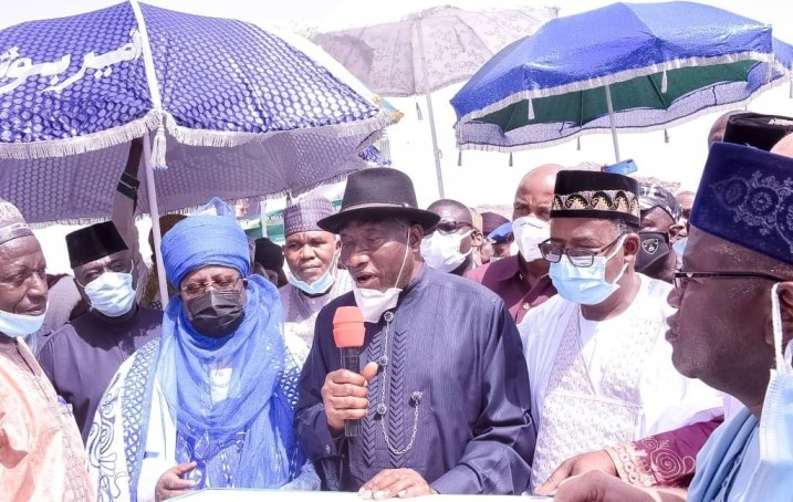 Goodluck Jonathan Commissions Over N2 Billion Road Project In Bauchi