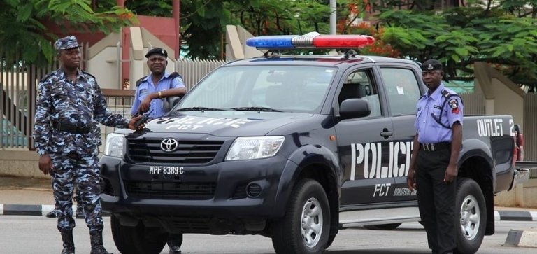 Police clampdown on tinted vehicles, covered number plates